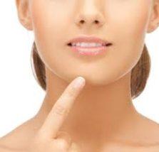 お肌の専門の方にご相談して改善された顎ニキビ