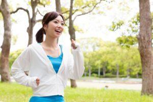 運動でストレス解消する女性