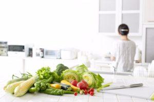 食生活を見直す女性